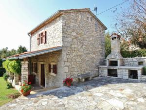 Holiday Home Correni 323