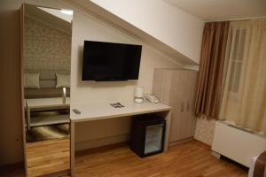 Hotel Elegance - фото 16