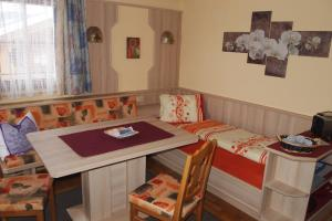 Haus Seiwald, Apartmanok  Niederau - big - 67