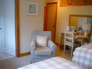 White Cottage Bed and Breakfast
