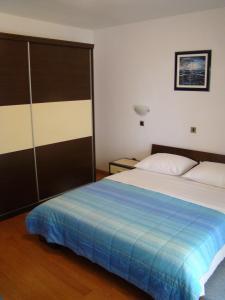 Apartment House Nono, Apartmány  Povljana - big - 24