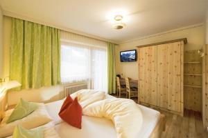 Ski in Ski out Hotel Unterellmau, Hotel  Saalbach Hinterglemm - big - 42