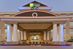 Holiday Inn Express and Suites Forth Worth North - Northlake, Hotels  Roanoke - big - 1