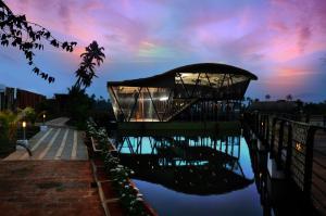Aquatic Floating Resort