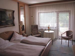 Hotel Harzer am Kurpark, Penziony  Bad Herrenalb - big - 10