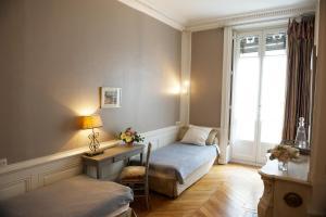 Suite Edouard Herriot, Отели типа «постель и завтрак»  Лион - big - 17