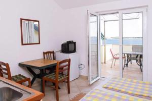 Apartments Villa Supertom, Ferienwohnungen  Povljana - big - 31