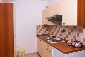 Apartments Villa Supertom, Ferienwohnungen  Povljana - big - 38