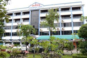 โรงแรม เจริญชัย (Chaleunxay Hotel)