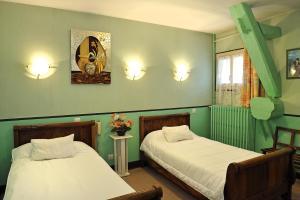 Logis Hostellerie Du Cheval Blanc, Szállodák  Sainte-Maure-de-Touraine - big - 8