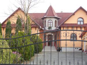 Hegyi Panzió - Accommodation - Szilvásvárad