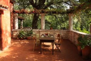 Holiday Home Natural Art House