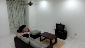 Kuching Rd Homestay