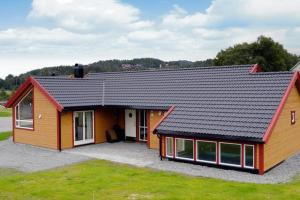 Four-Bedroom Holiday home in Bjoa 1
