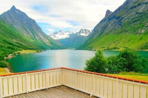 Two-Bedroom Holiday home in Norangsfjorden