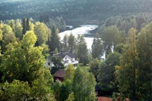Five-Bedroom Holiday home in Likenäs