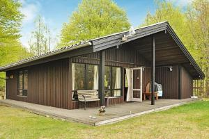 Three-Bedroom Holiday home in Tjörnarp 1