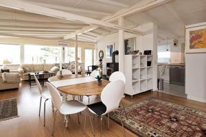Three-Bedroom Holiday home in Roskilde, Dovolenkové domy  Kirke-Hyllinge - big - 11