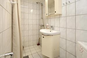 Three-Bedroom Holiday home in Roskilde, Dovolenkové domy  Kirke-Hyllinge - big - 21