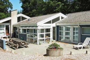 Five-Bedroom Holiday home in Glesborg 1