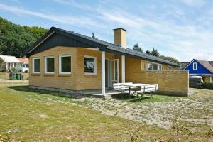 Two-Bedroom Holiday home in Struer 2