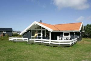 Three-Bedroom Holiday home in Vestervig 2