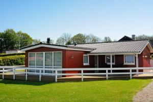Three-Bedroom Holiday home in Hejls 11