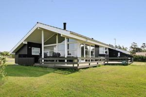 Three-Bedroom Holiday home in Millinge 3