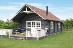 Two-Bedroom Holiday home in Hovborg 2