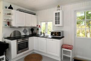 Two-Bedroom Holiday home in Grenaa 1