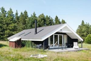 Three-Bedroom Holiday home in Frøstrup 2