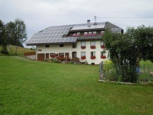 Ferienhof Kammerer, Ferienwohnungen  Ibach - big - 37