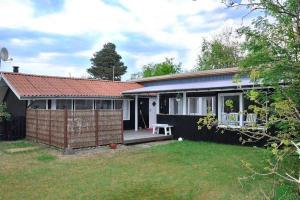 Three-Bedroom Holiday home in Juelsminde 4