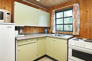 Two-Bedroom Holiday home in Knebel 8