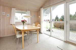 Three-Bedroom Holiday home in Oksbøl 30