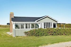 Three-Bedroom Holiday home in Løkken 57