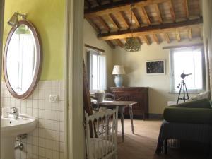 Casa le Monache, Hétvégi házak  Montecastrilli - big - 22