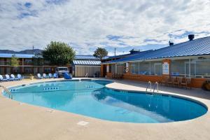 Magnuson Hotel and Suites Alamogordo, Hotels  Alamogordo - big - 35