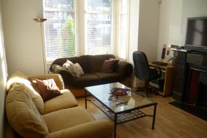 Bounds Green Apartment photos