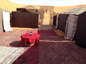 Marhaba Camp, Camel & Sandboarding, Zelt-Lodges  Merzouga - big - 74