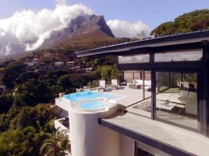 129 on Kloof Nek Apartments