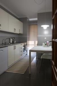 Apartamento Sta Marinha, Ferienwohnungen  Vila Nova de Gaia - big - 5