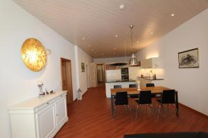 Toni's Alpine Loft - Apartment - Kandersteg