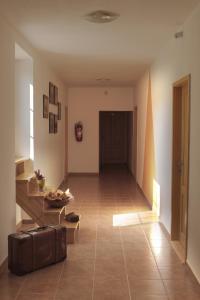 Hotel Pod Stráží, Hotel  Lhenice - big - 64