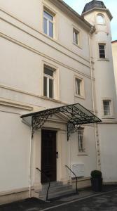 Ferienwohnungen in der Villa Carola, Апартаменты  Баден-Баден - big - 21
