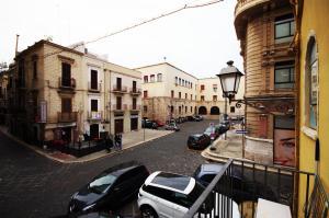 Piazzetta Santa Barbara, Apartmány  Bari - big - 35