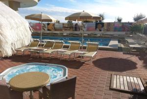 Color Metropolitan Beach Mi.Ma, Hotels  Milano Marittima - big - 12