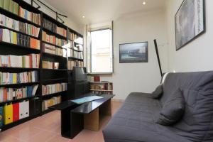 Manno Halldis Apartment