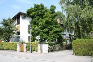 Gästehaus Christa Mauerer, Penzióny  Bad Reichenhall - big - 12