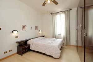 Due Colonne apartment Rome